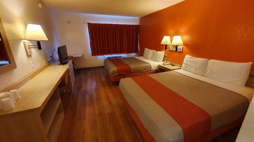 Ubytování v Motel 6 na západním pobřeží  USA - San Simeon