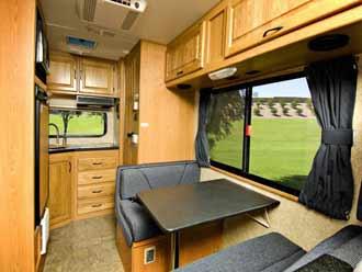 Příklad uspořádání uvnitř karavanu