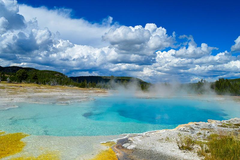 Horký pramen v Yellowstone národním parku