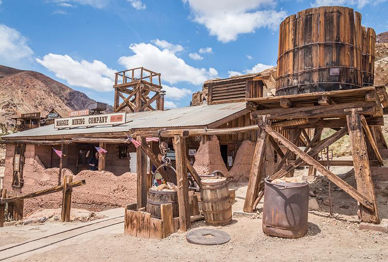 Calico město duchů na trase mezi Los Angeles a Las Vegas