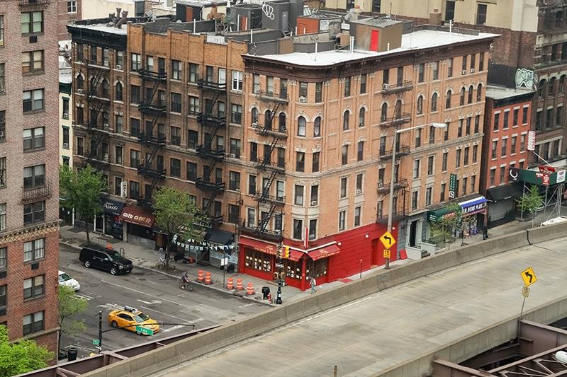 Z lanovky máte výhled do ulic New Yorku