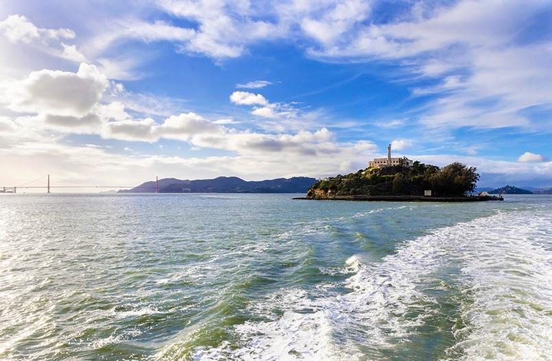Plavba lodí k Alcatrazu v San Franciscu
