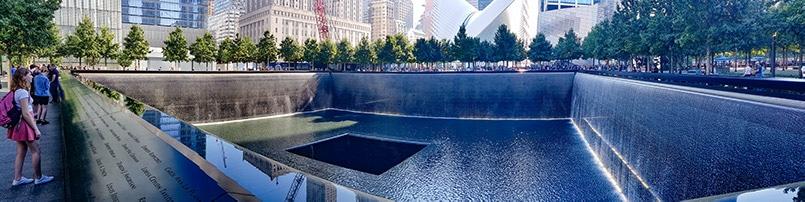 dva bazény vykopané na památku