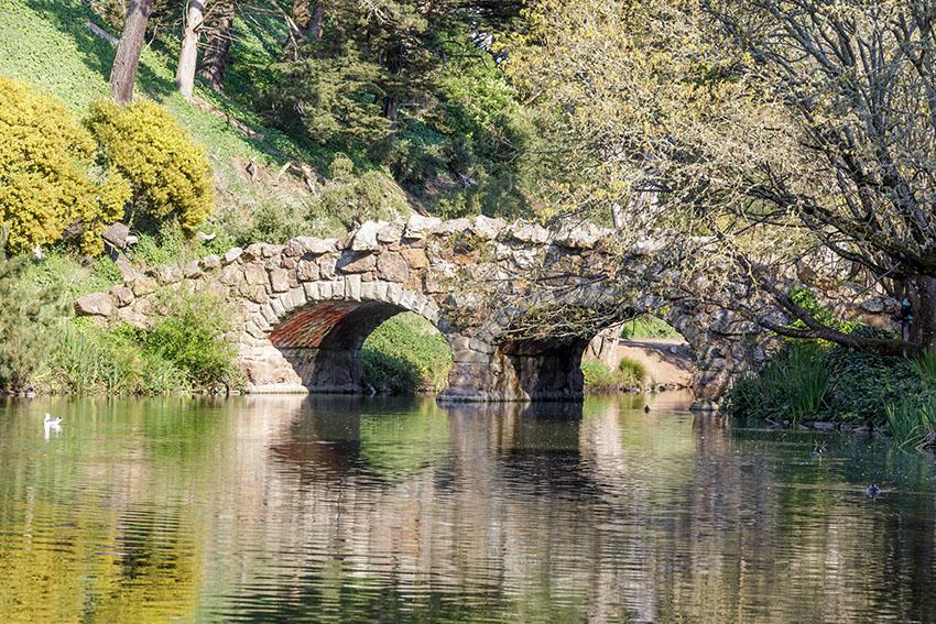 kamenný most Stow Lake Bridge